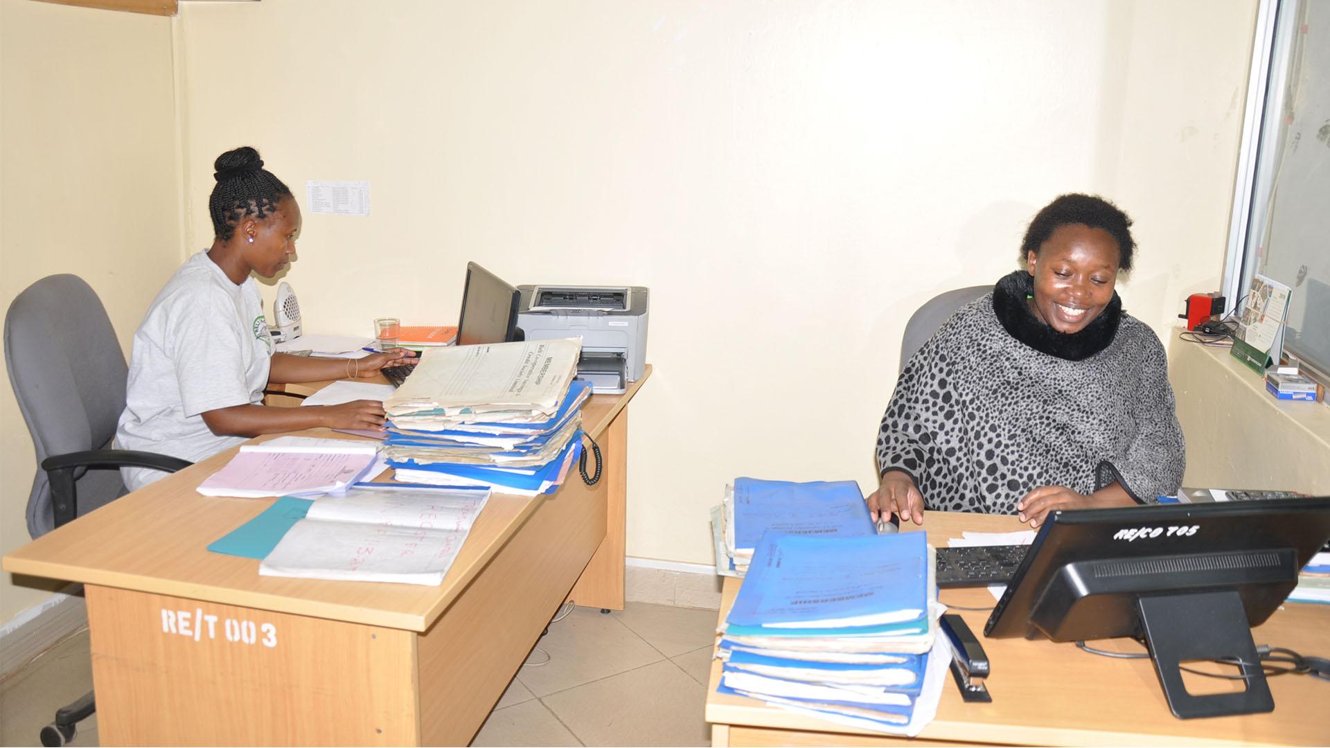 Reli Sacco Staff Serving Clients (1)