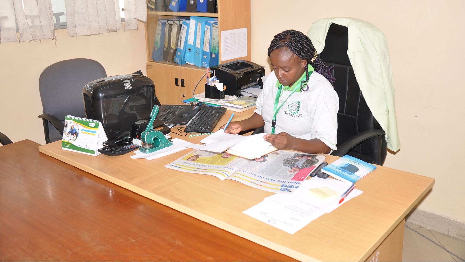 Reli Sacco Staff Serving Clients (13)