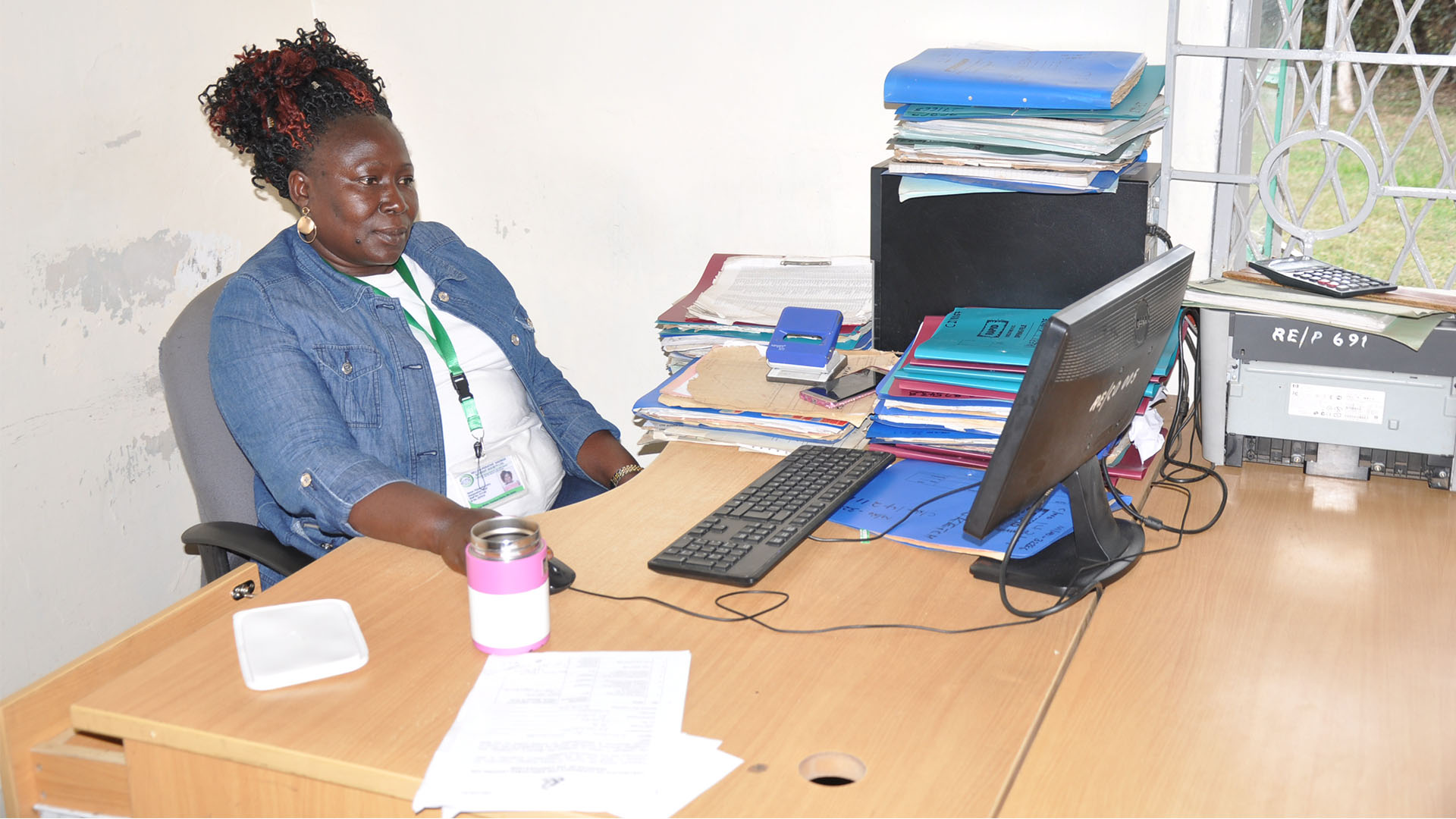 Reli Sacco Staff Serving Clients (9)
